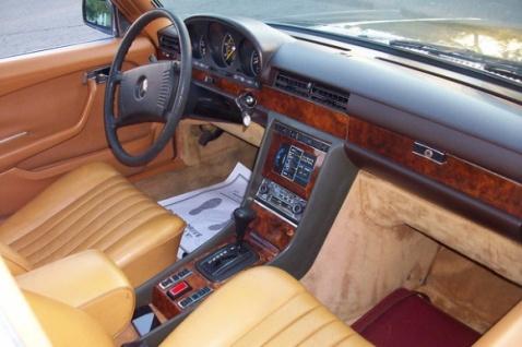 Mercedes Benz 6.9 interiour