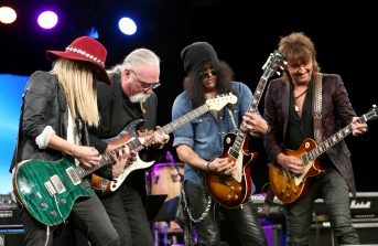 ANAHEIM, CA - JANUARY 24: Guitarists Orianthi, Jeff 'Skunk' Baxter, Slash and Richie Sambora attend the NAMM Tec Awards at the Anaheim Hilton on on January 24, 2015 in Anaheim, California. (Photo by Jesse Grant/Getty Images for NAMM)