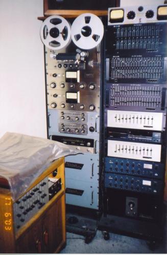 Jon Ponds stereo
